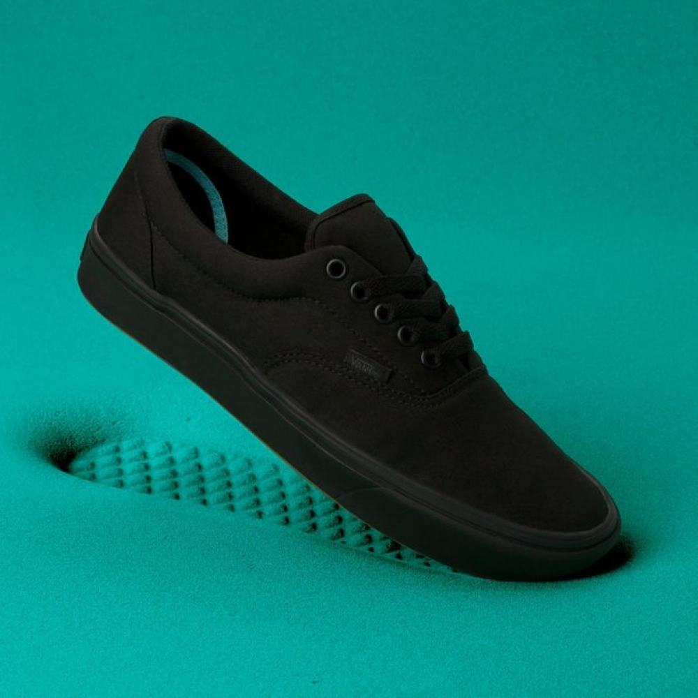 Foto 2 - TENIS UA COMFYCUSH AUTHENTIC BLACK